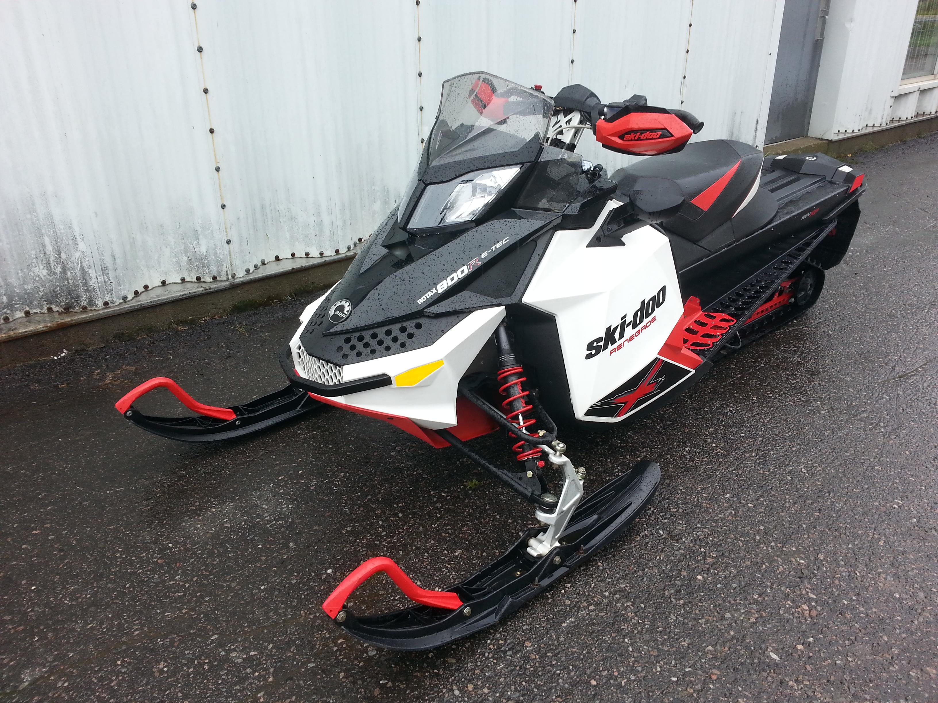 Ski Doo Renegade X 800 2011