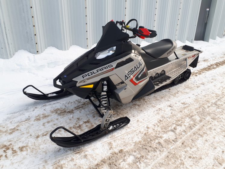 Polaris Switchback Assault 800 144 2011
